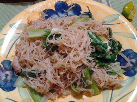 Quick and easy fried noodles with pork meat